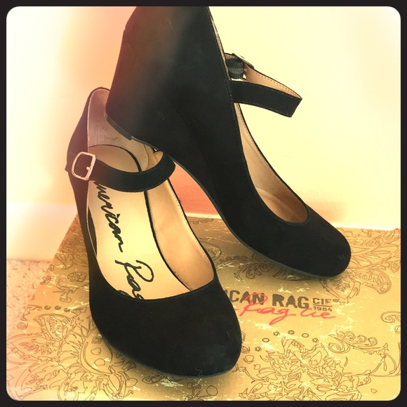 5fad1dd2ef4 New black 2inch wedge heels